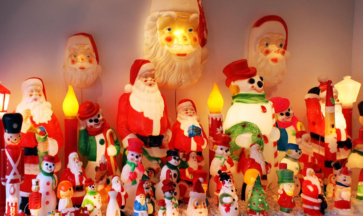 Christmas Traditions Around The World.Christmas Traditions Around The World The Adventurous Feet