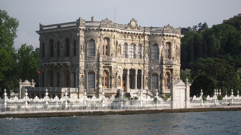 travel guide to Istanbul for first time visitors