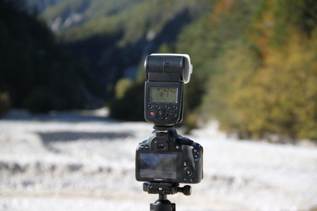 canon 100D camera