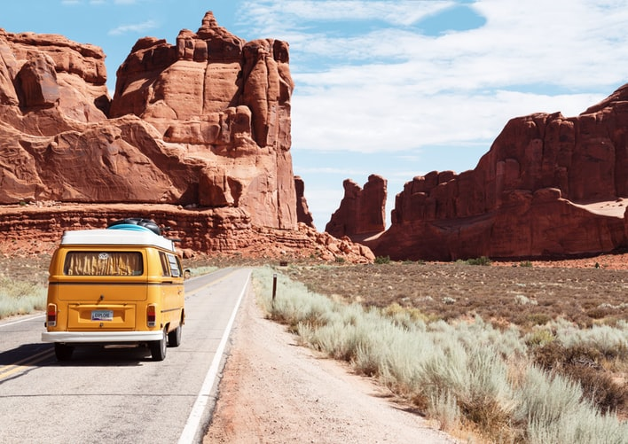 8 Fun games to play on a road trip to kill boredom
