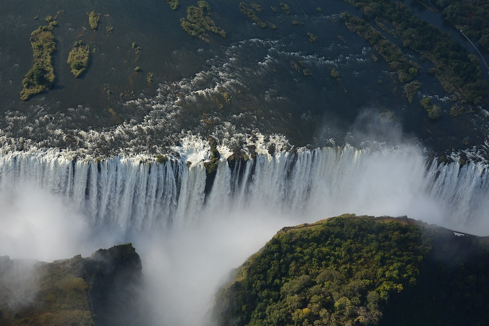 A comprehensive guide on how to get to Victoria falls in Zimbabwe
