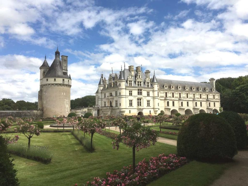 Château de Chenonceau is one of the best castles in loire valley