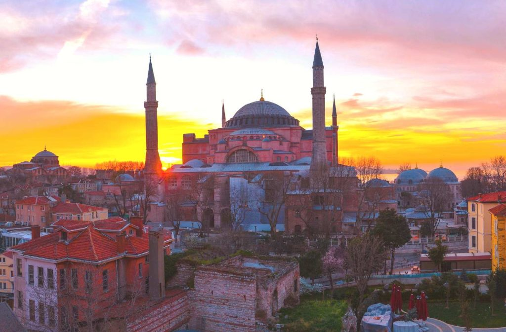 Biggest mistakes to avoid while traveling in Istanbul (1)