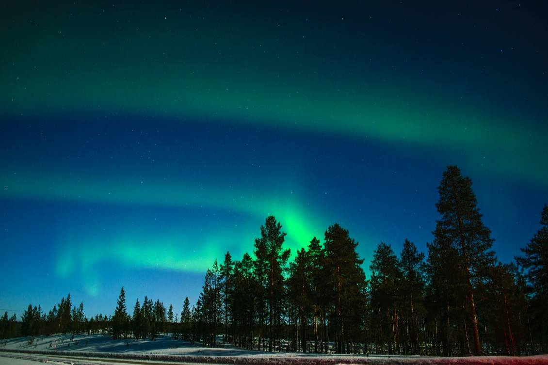 northern lights in inari finland (1)