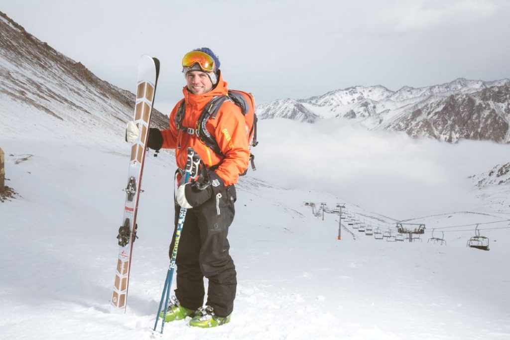 what to pack for skiing