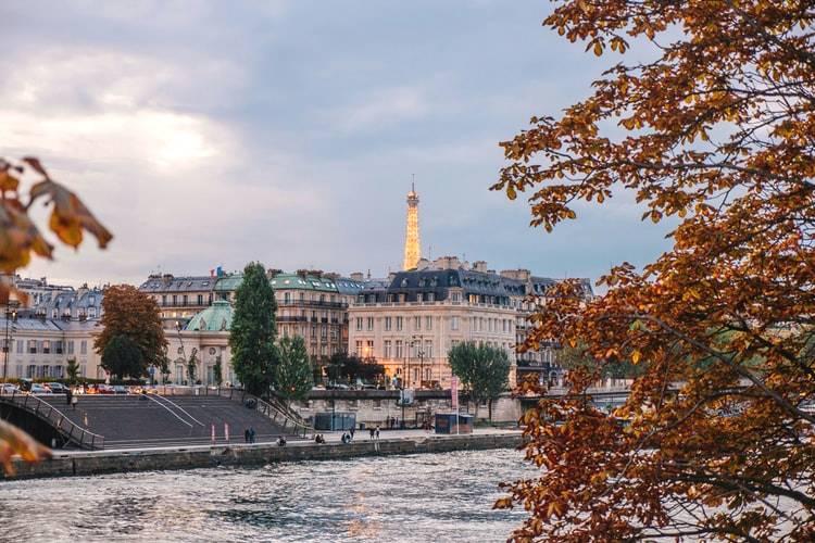 paris in autum - best time to visit paris(2)