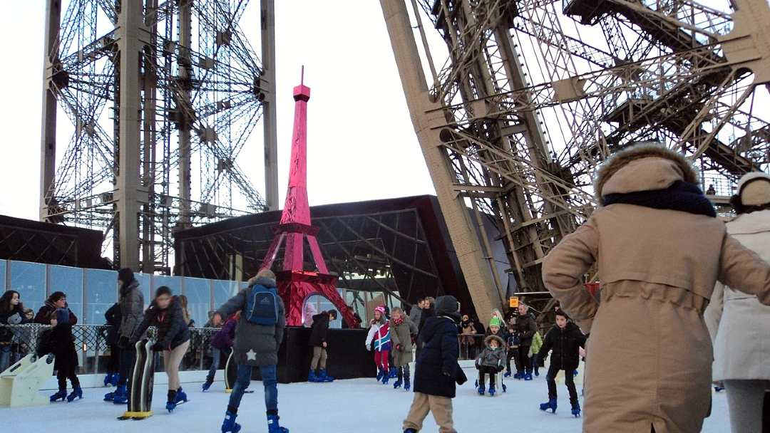 ice skating at the Eiffel tower (1)