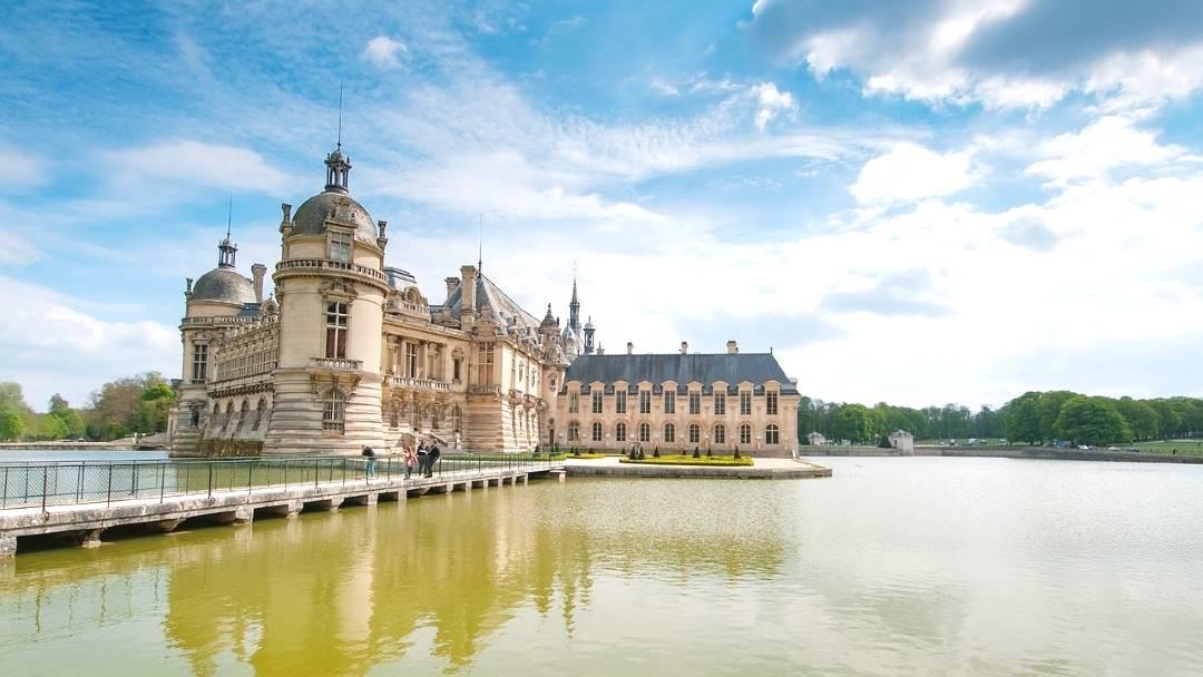 from paris to Château de Chantilly