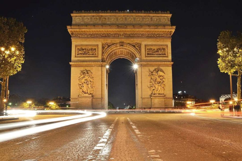 arc de triump i day in paris