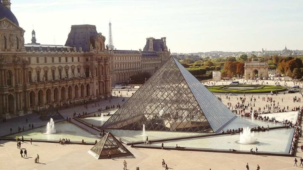 The Louvre Museum is one of the places to visit if you have 1 day in paris