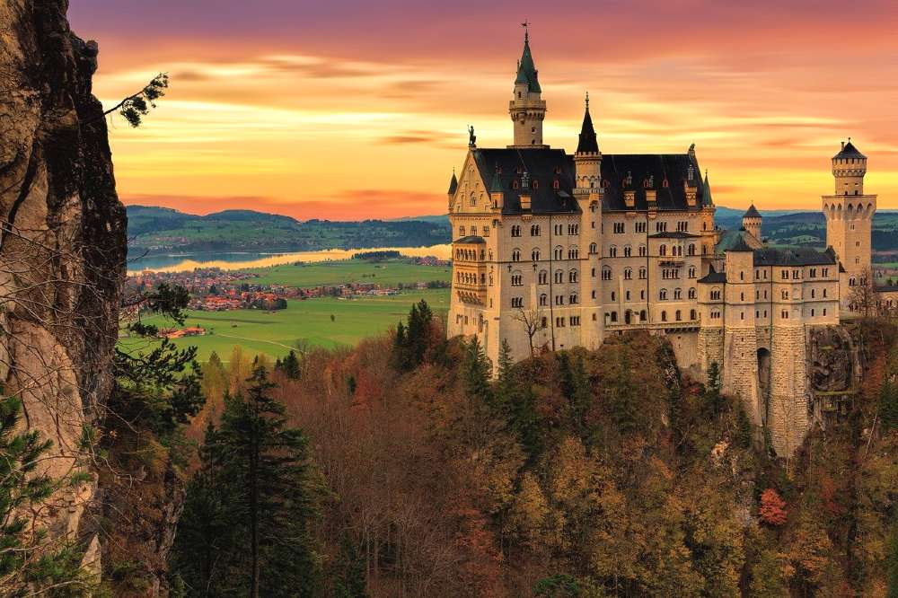 castle ofNeuschwanstein -romantic things to do