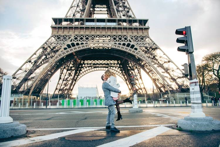 romantic things things to do in paris
