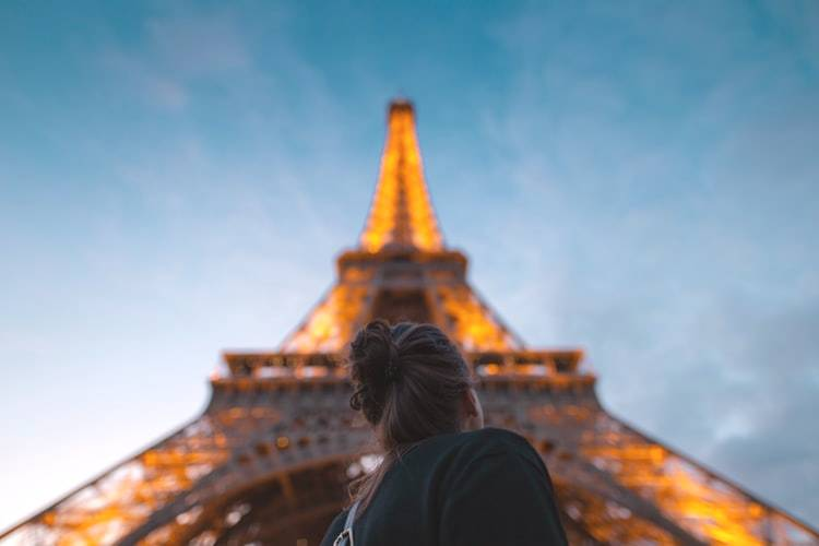 tips to climbing the eiffel tower
