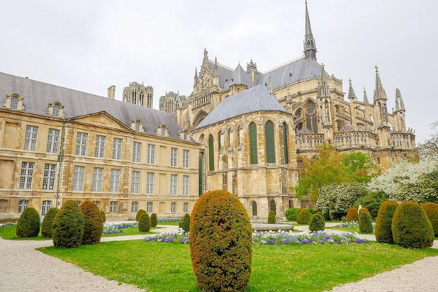 famous landmarks of france