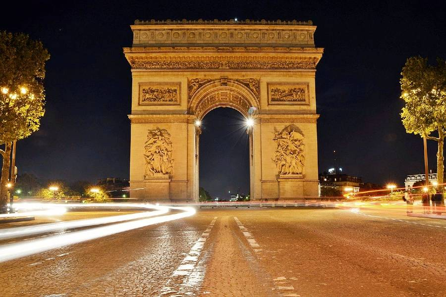 famous monuments in france