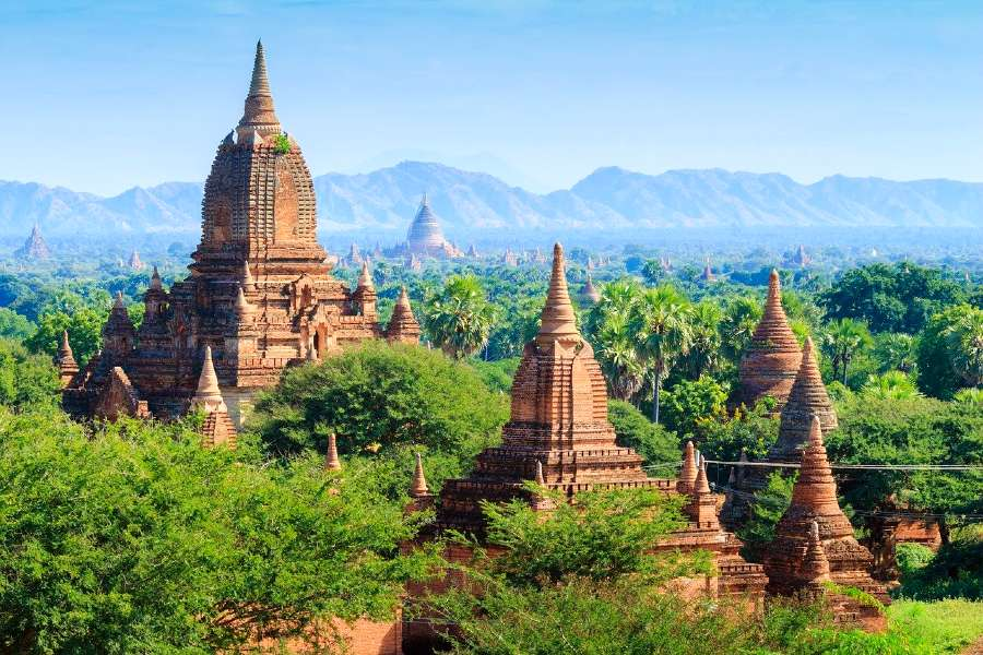 famous monuments in Asia